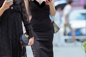 吊带连衣裙要怎样穿才有气质?这么穿搭明亮动人气质高雅