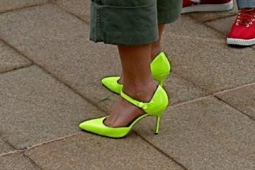 身高不到160的女生最好别穿这3种高跟鞋显矮又显腿粗