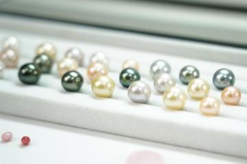 珍珠鉴定与分级标准