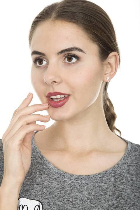 脸上过敏发红发痒发热怎么办脸上过敏要注意哪些问题