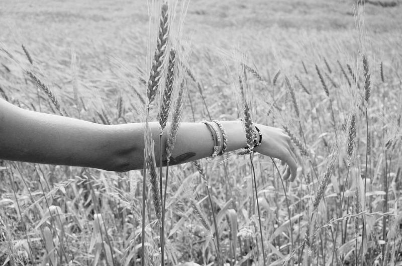 手臂毛孔粗大如何改善让你秀出美丽手臂