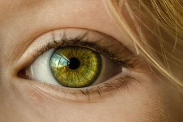眼角皱纹贴眼膜有用吗眼部护理的注意事项