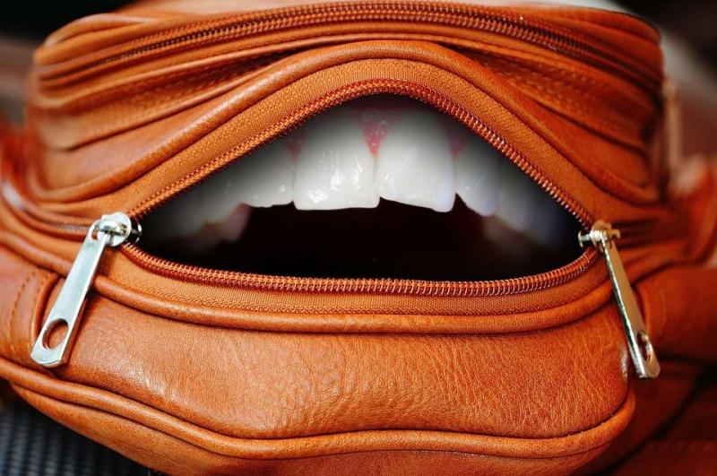戴牙套对嘴的影响牙套影响面貌